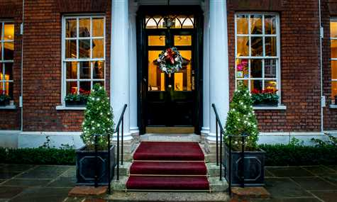Christmas Party Nights At Sir Christopher Wren Hotel And